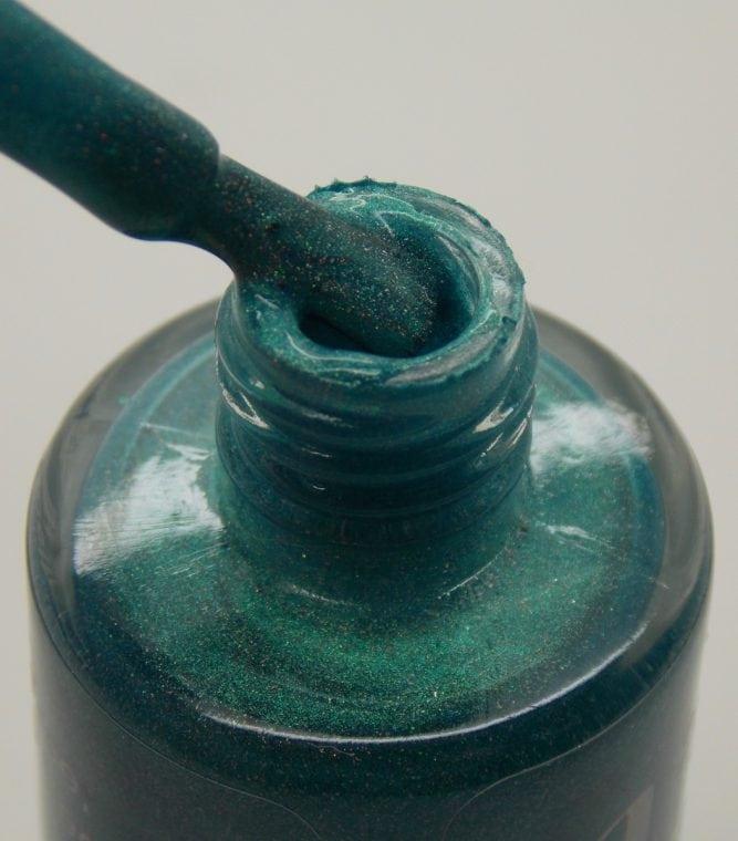 Floozie Blue bottle macro