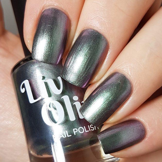LivOliv Cruelty Free Nail Polish ultra chrome six of clubs