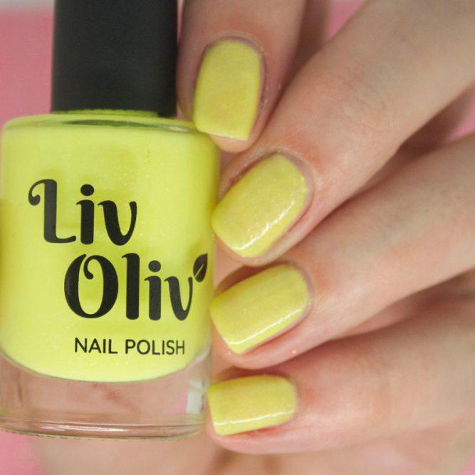yellow to orange photochromic yellow cruelty free nail polish